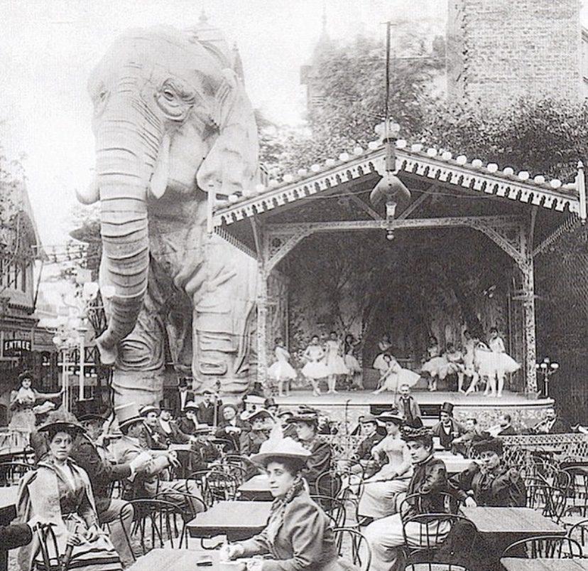 Moulin Rouge elephant