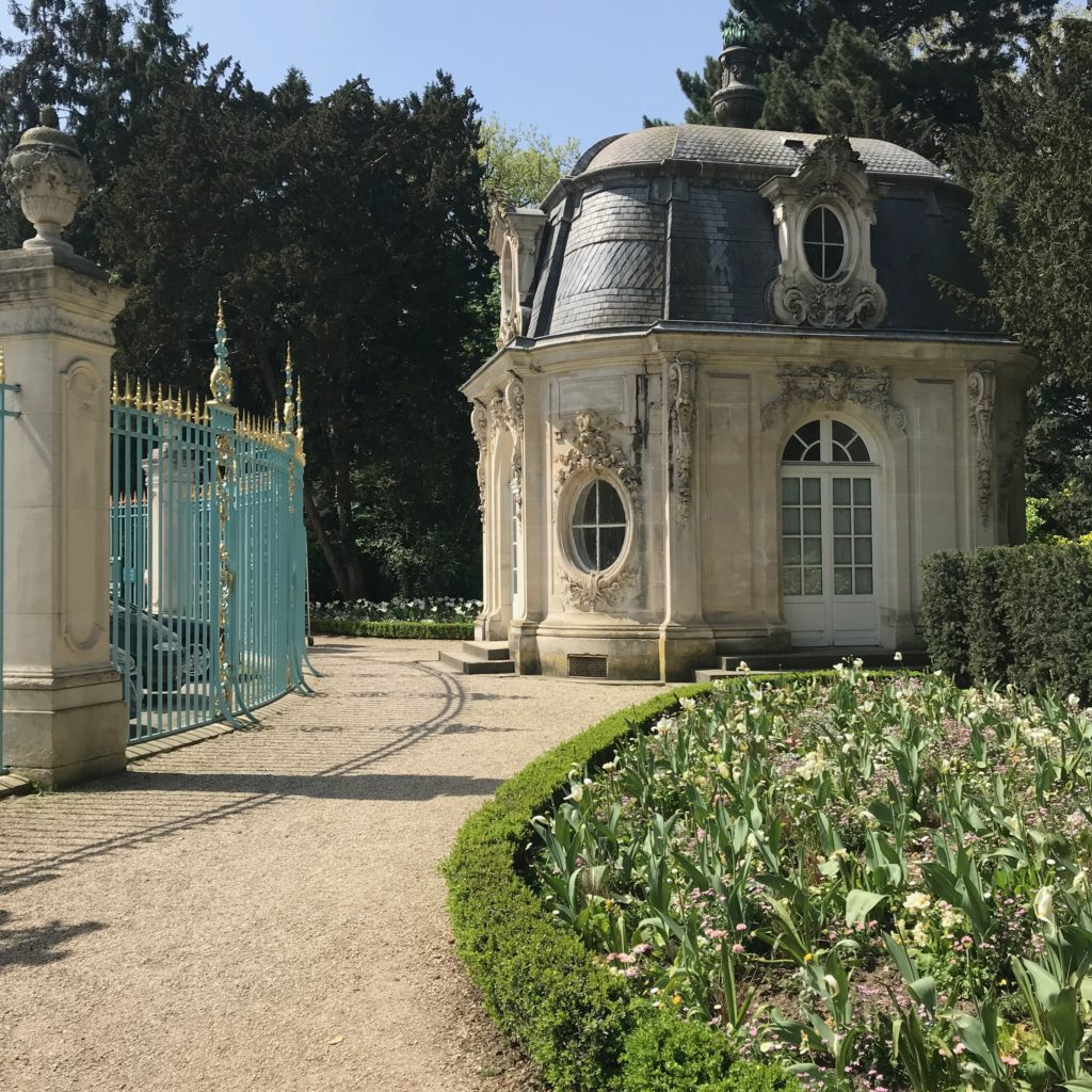 Parc de Bagatelle guardhouse
