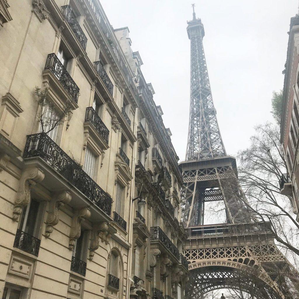 Rue de l'universite Eiffel Tower