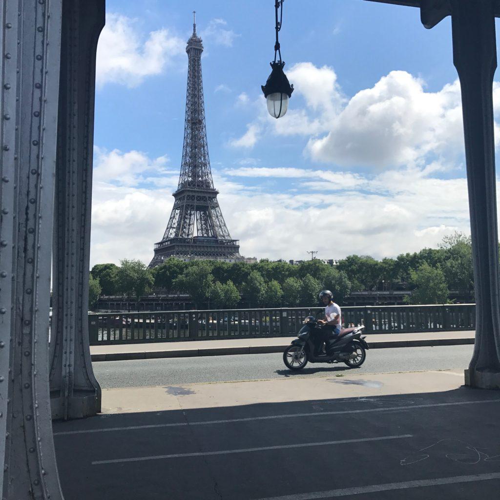 Pont de Bir Hakeim Eiffel Tower