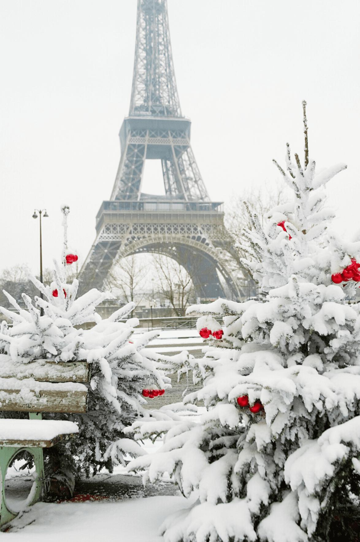 Eiffel-Christmas