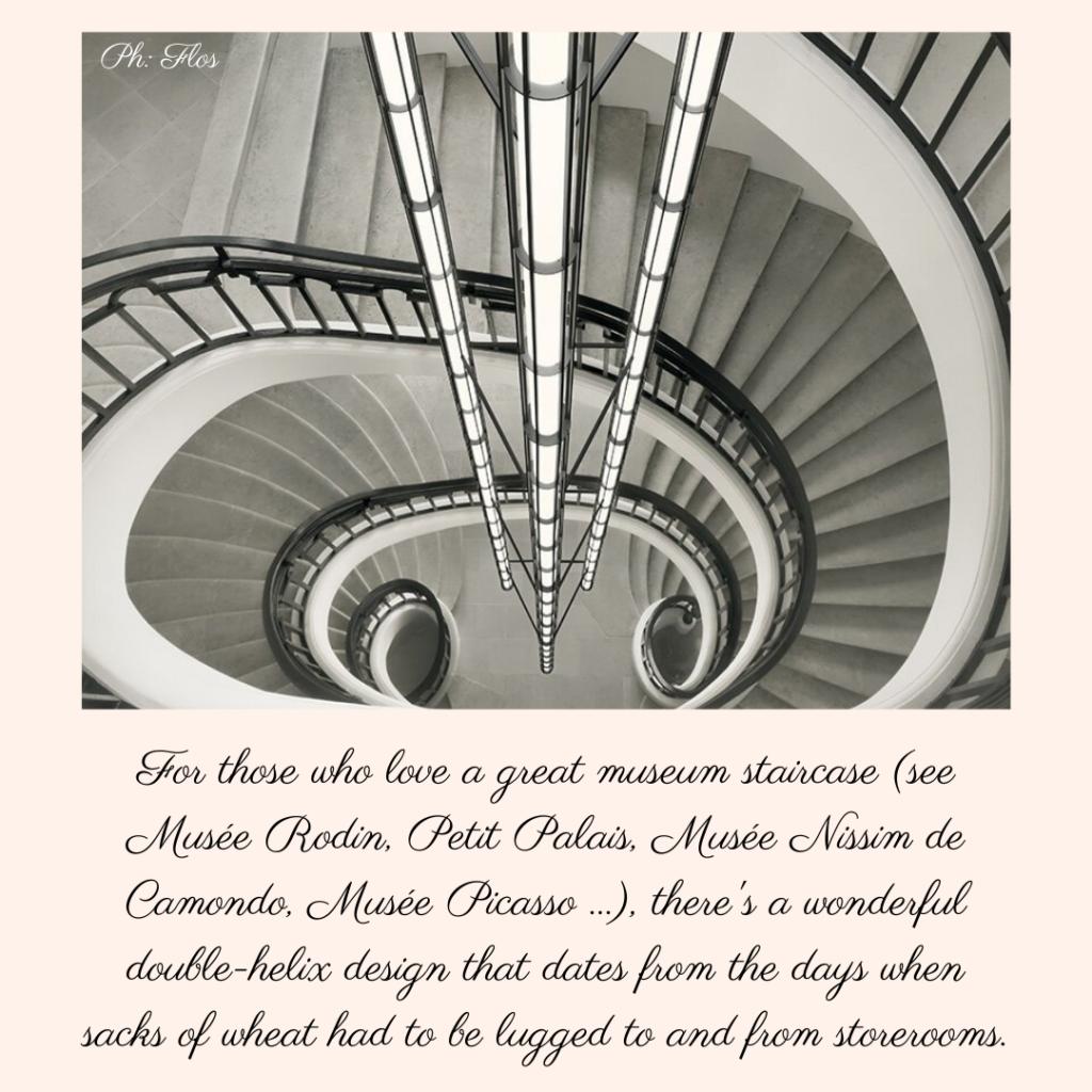 Bourse de Commerce Paris stairs