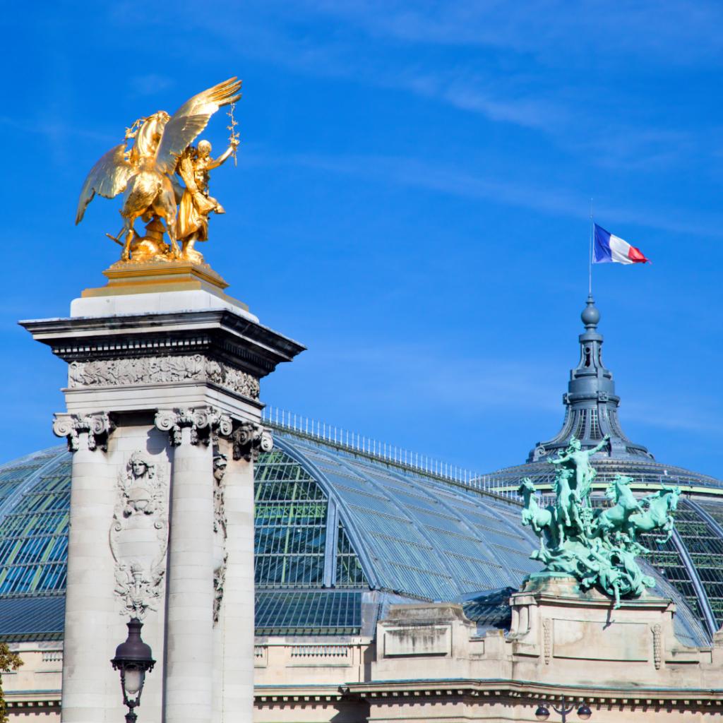 Grand Palais flag