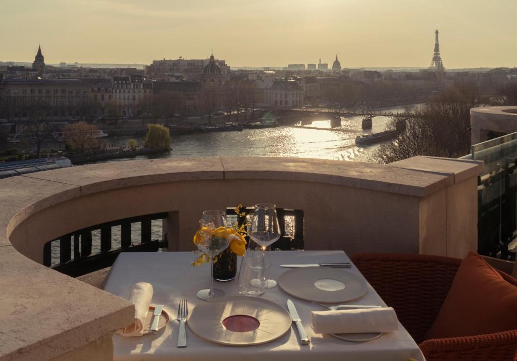 Le-Tout-Paris-panoramic-terrace