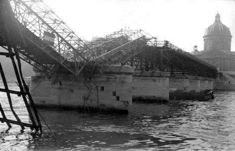Pont des Arts collapse