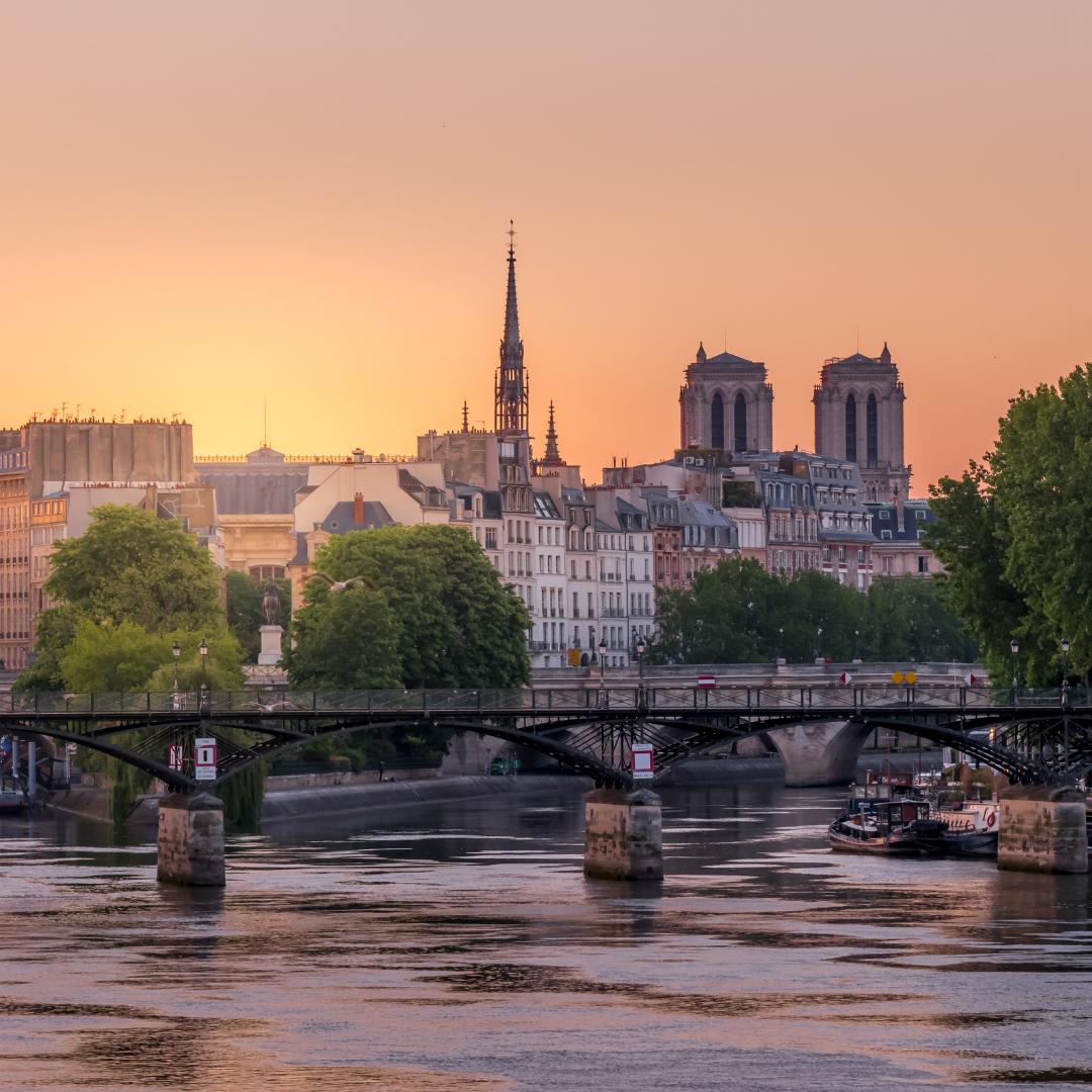 Pont-des-Arts-sunrise