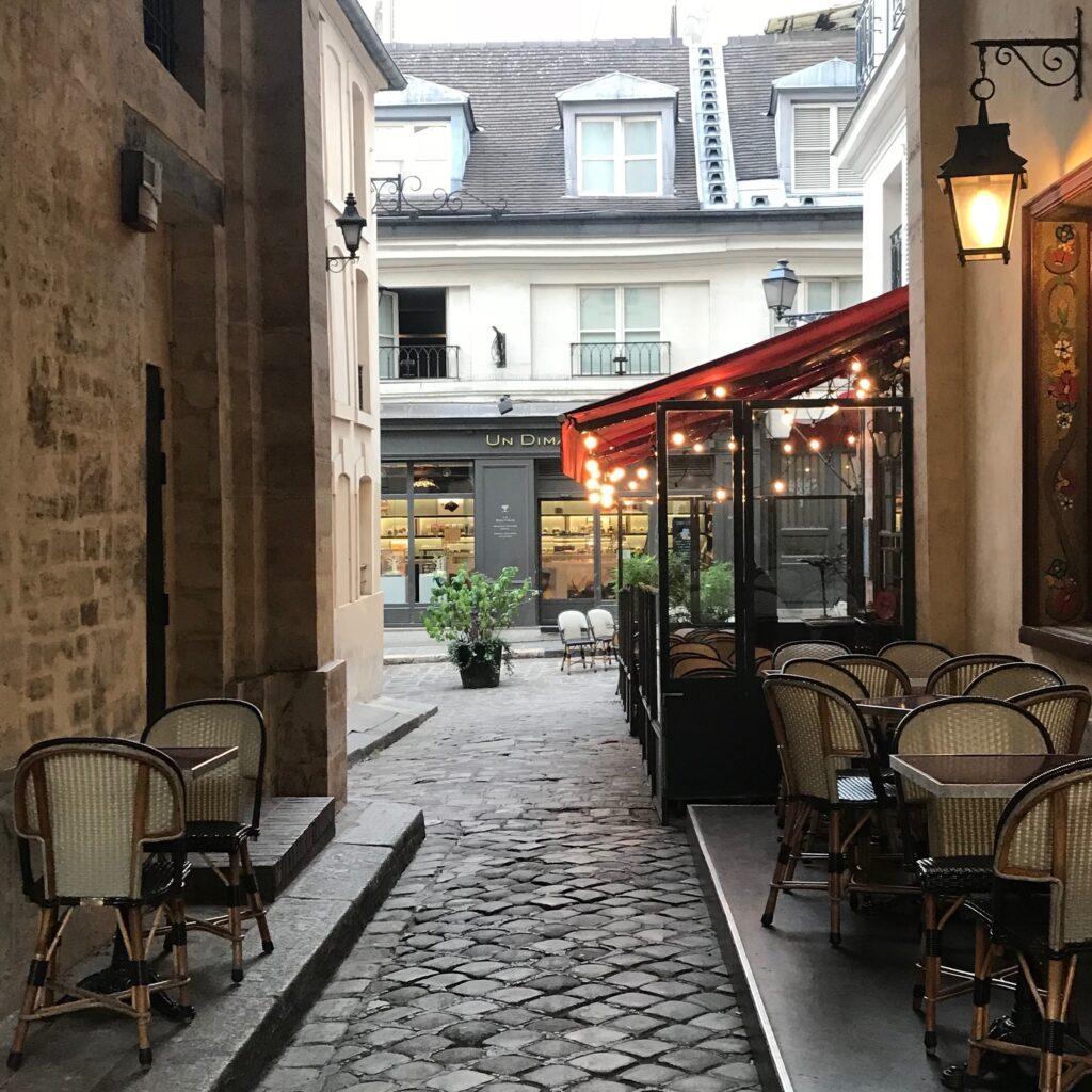 Un Dimanche à Paris hot chocolate