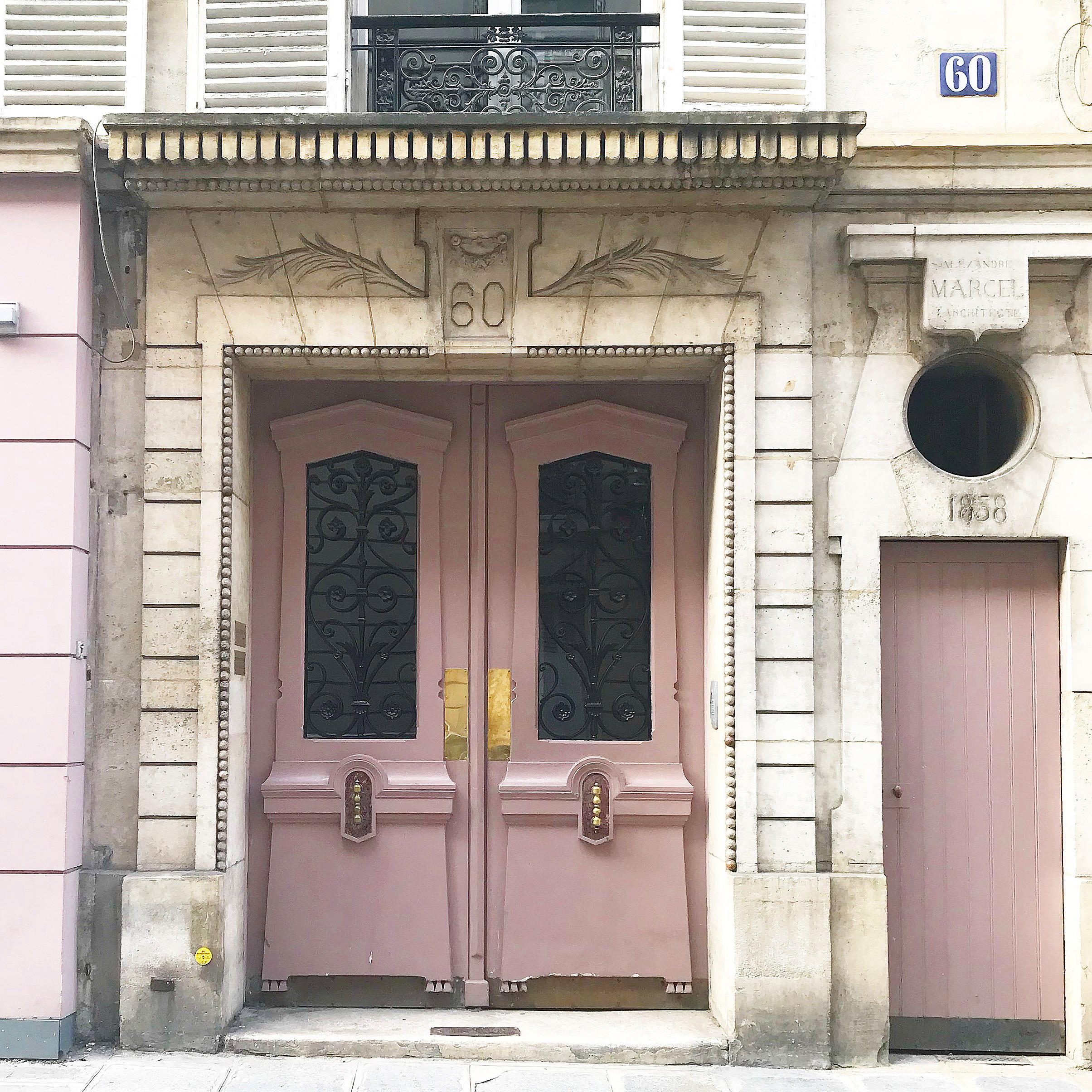 Rue-de-Bellechasse-door